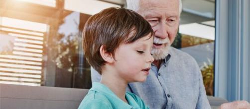 Gobierno de España estudia dar un permiso retribuido a los padres con hijos en cuarentena por el coronavirus.