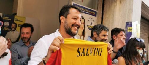 Mastella multa Salvini perché ha fatto selfie senza mascherina. La replica: 'Non mi occupo di paturnie'