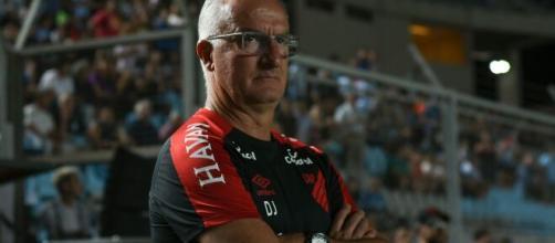 Athletico Paranaense demitiu o técnico Dorival Júnior. (Arquivo Blasting News)