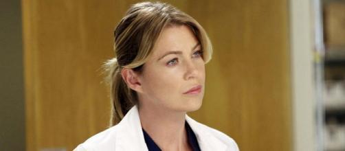 Nella dodicesima stagione di Grey's Anatomy, Meredith Grey prova a ricostruire la sua vita dopo la morte di Derek Shepherd.