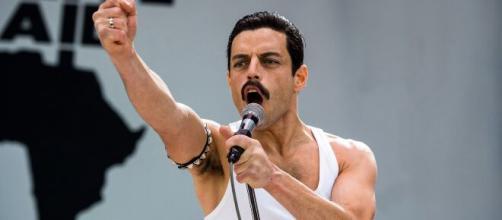 Por mais que haja alguns erros temporais, 'Bohemian Rhapsody' agradou aos fãs de Queen. (Arquivo Blasting News)