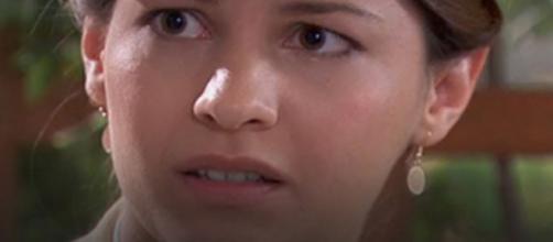 Una vita, trame Spagna: Cinta apprende che Emilio deve sposare Angelines sotto ricatto.