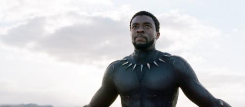 Chadwick Boseman com o uniforme do Pantera Negra. (Arquivo Blasting News)