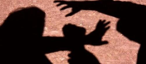 Governo muda regras de aborto em caso de abuso sexual. (Arquivo Blasting News)