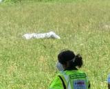 Crema, una donna si è data fuoco e una sola persona le ha prestato soccorso.
