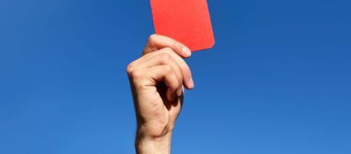 Carton rouge pour le Honor 9 : une 4G castrée en France | Carton ... - pinterest.de