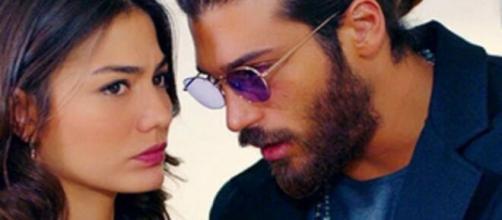 Daydreamer, trame turche: il fotografo e la sorella di Leyla danno scandalo sui giornali.