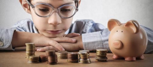 Jovens das escolas públicas poderão receber aulas de educação financeira. (Arquivo Blasting News)