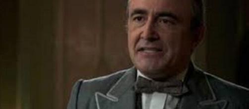 Una vita, trama puntata del 2 settembre: Ramon racconta ad un giornalista le malefatte di Alfredo Bryce.