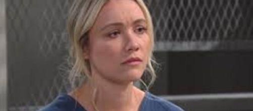 Beautiful, anticipazioni Usa: Flo riesce ad uscire dal carcere grazie all'aiuto di Ridge.