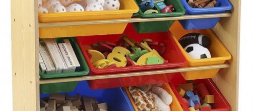 Los compartimentos son perfectos para guardar los juguetes y mantener el orden