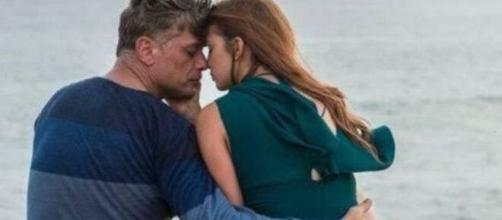 """O casal não voltará a namorar em """"Totalmente Demais"""". (Reprodução/TV Globo)"""