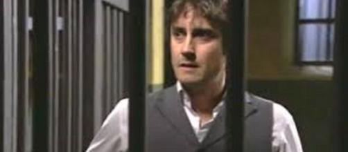 Una vita, trama del 3 settembre: Liberto intuisce di essere vittima di un complotto.
