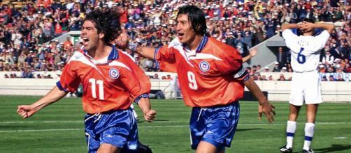 A dupla chilena Marcelo Salas e Iván Zamorano formaram um dos melhores ataques de todos os tempos. (Arquivo Blasting News)