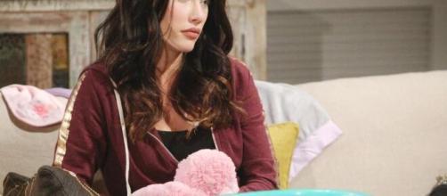 Beautiful, anticipazioni americane: Flo rivela la vera identità di Phoebe a Logan