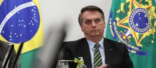 Bolsonaro deve estender auxílio emergencial até dezembro com parcelas de R$ 200. (Arquivo Blasting News)