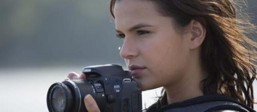 Bruna Marquezine estrelo o filme 'Vou Nadar até Você'. (Reprodução/YouTube)