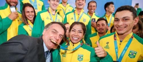 Jair Bolsonaro recebeu apoio de vários atletas olímpicos. (Arquivo Blasting News)