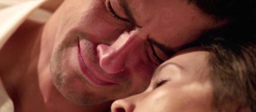 Tempesta d'Amore, trame dal 10 al 14 agosto: Michael riceve l'esito dell'autopsia di Romy.