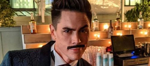 Tom Sandoval sports a mustache. [Photo via Instagram]