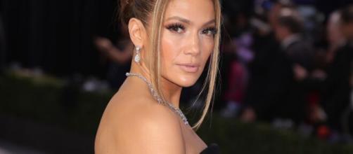 Jennifer Lopez photo soeurs sisters day ... - allure.com