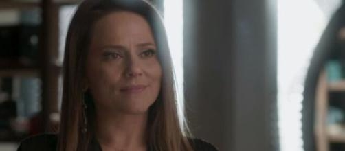 Lili acolherá Eliza em 'Totalmente Demais'. (Reprodução/TV Globo).