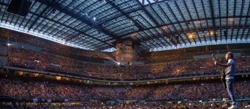 Lo stadio San Siro durante un concerto.