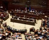 """Caccia ai """"furbi"""" del bonus: anche 5 parlamentari hanno chiesto il bonus Partite Iva."""