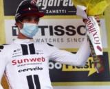 Michael Matthews sul terzo gradino del podio della Milano-Sanremo.