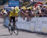 Primoz Roglic lanciato verso la vittoria al Tour de l'Ain.