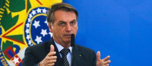 Bolsonaro critica a Globo no Twitter. (Arquivo Blasting News)