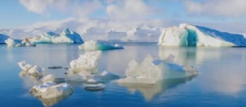 "Antarctica's Doomsday Glacier ""Thwaites"" melting fast – sea levels may rise by 6 Feet. [Image source/Videonium's Channel YouTube video]"
