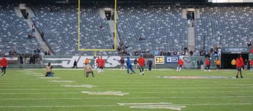 New York Jets setup at MetLife Stadium. [image source: cosieja-Pixabay]