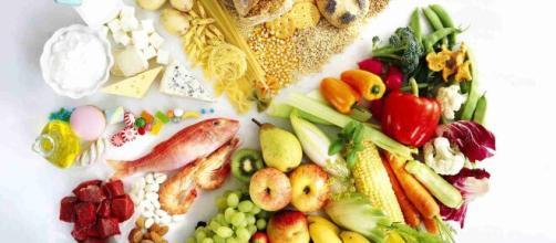 Para funcionar de manera adecuada el organismo requiere de vitaminas y una alimentación balanceada. Fuente de la imagen: About Español
