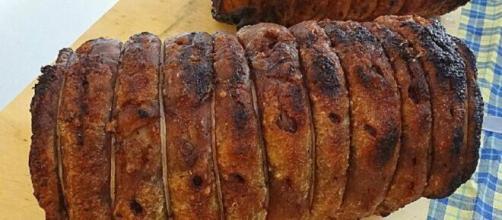 Porchetta di maiale al forno, un piatto emiliano.