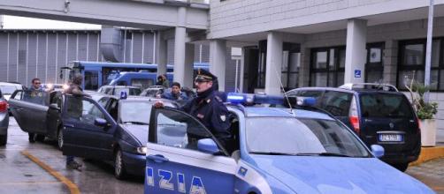 Brindisi, assalto armato alla farmacia di piazza Raffaello nel quartiere Sant'Elia: indagini in corso.