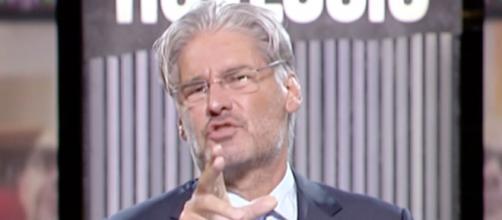 Paolo Del Debbio infuriato con Beppe Grillo.