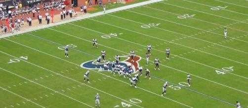 The Houston Texans hosting the Tennessee Titans. [image source: Wikimedia Commons]