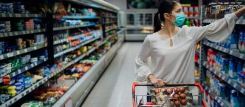 Preço do arroz pode subir ainda mais, diz associação de supermercados. (Arquivo Blasting News)