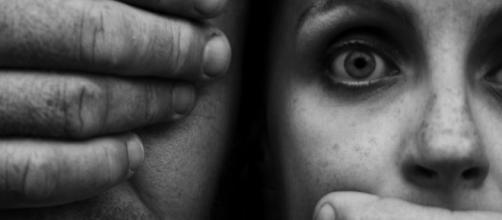 Proposta de cadastro nacional é mais uma arma no combate ao abuso. (Arquivo Blasting News)