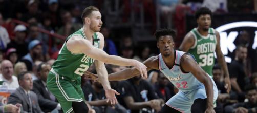 Boston Celtics e Miami Heat abrirão as finais da Conferência Leste da NBA, nessa terça. (Arquivo Blasting News)