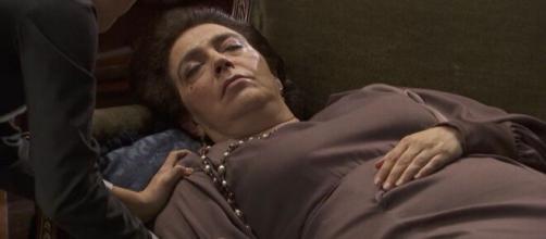 Il segreto, spoiler al 25 settembre: de Los Visos chiama un medico per far curare Francisca.