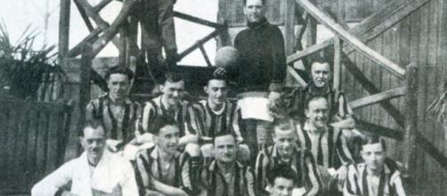 Una foto dell'Inter della stagione 1921/22.