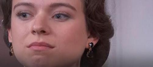 Una vita, spoiler Spagna: Genoveva si finge amica di Marcia per poter tornare con Felipe.