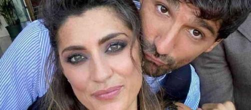 Elisa Isoardi e Raimondo Todaro: scatta il bacio.