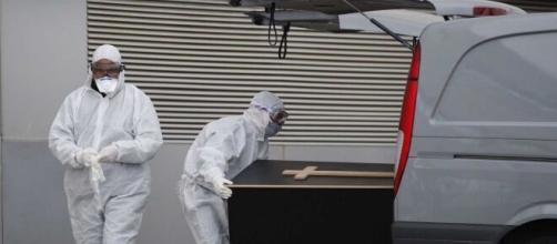 España podría no investigar si las autoridades no hicieron lo necesario para evitar las muertes y enfermos por COVID -19