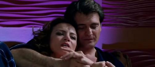 Jerônimo e Renata se reconciliam. (Reprodução/Televisa)