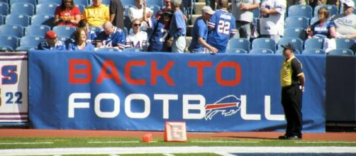 Lawsuit says Buffalo Bills cheerleaders are degraded and underpaid. [Image Source: Keith Allison/Flickr]