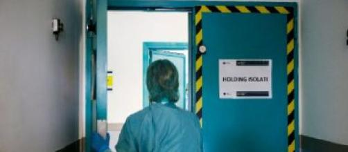 Massa, bambina positiva al coronavirus: classe di 18 alunni in quarantena.