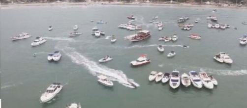 Festa da ostentação contou com a presença de inúmeras embarcações de luxo. (Arquivo Blasting News)